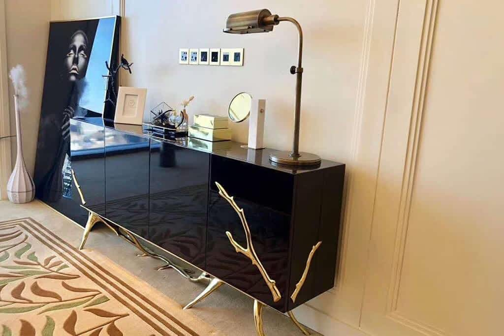 2 italian luxury table review-min